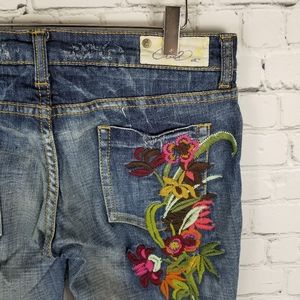 O'NEILL   vintage y2k embroidered flare leg jeans